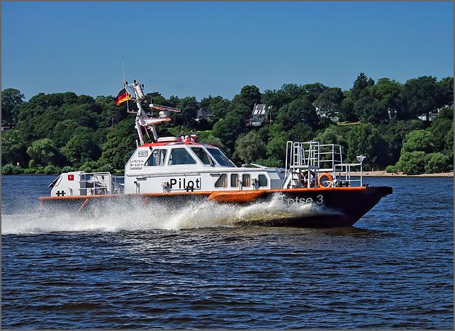 lotsenboot-neu-in-fahrt