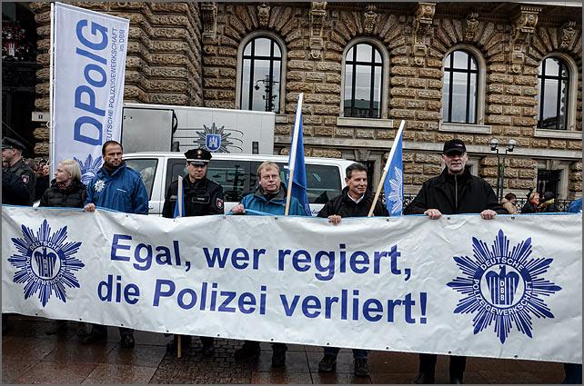 polzei-mahnwache_2