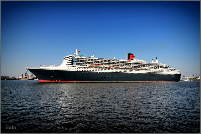queen_mary2_hamburg_10