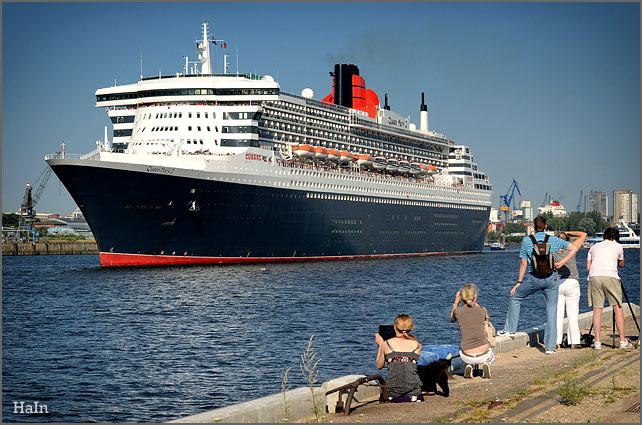 queen_mary2_hamburg_11