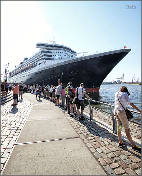 queen_mary2_hamburg_12