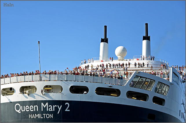 queen_mary2_hamburg_3