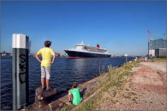 queen_mary2_hamburg_5