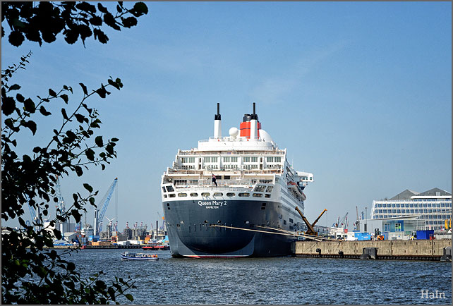 queen_mary2_hamburg_8