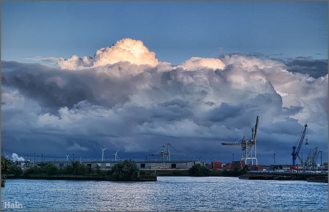 wolkenhimmel_hansahafen