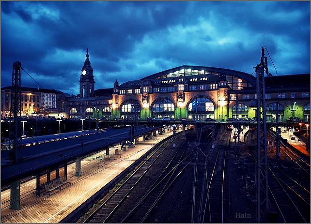 hauptbahnhof_hamburg_spaet