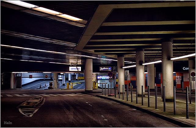 nacht_garage