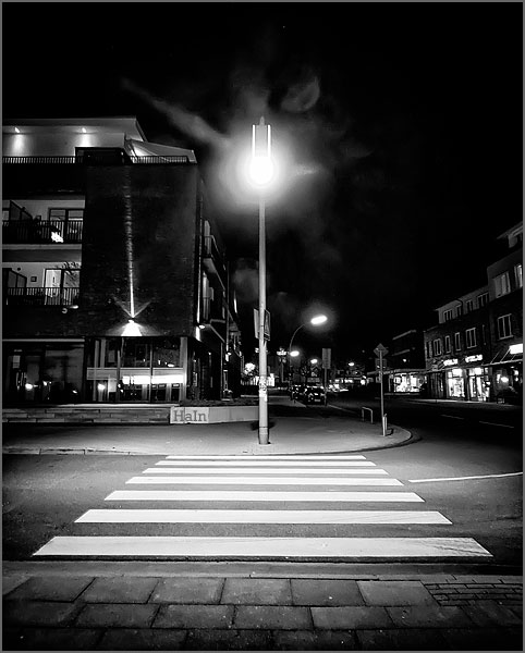 zebrastreifen_nachts