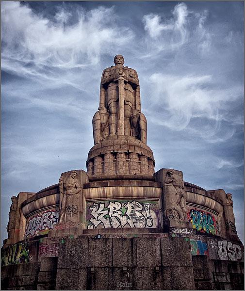 bismarck_statue