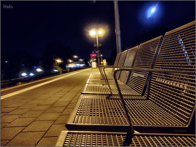 nachts_bahnsteig