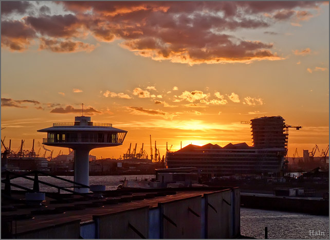 sunset_hafencity