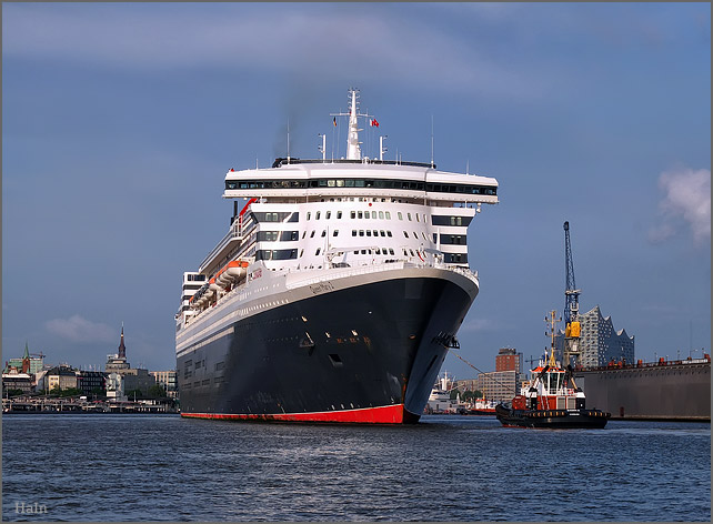 queen_mary_2_hamburg_16_1