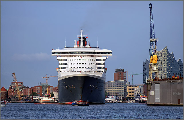 queen_mary_2_hamburg_16_2a