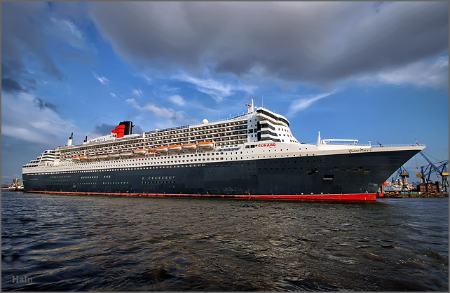 queen_mary_2_hamburg_16_6